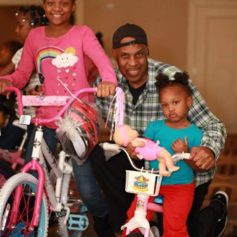 http://velocitycoop.org/wp-content/uploads/2017/12/kids-getting-bikes-800x800.jpg
